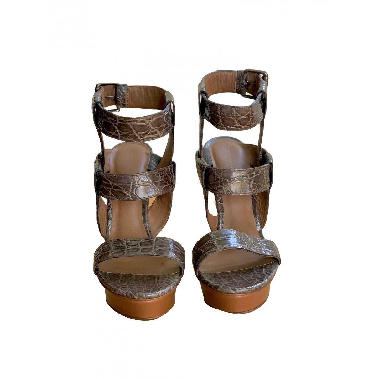 Sandalias romanas de Cocodrilo Bottega Veneta
