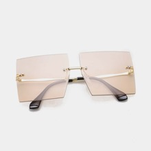 Maenner Sonnenbrille mit quadratischen Linsen