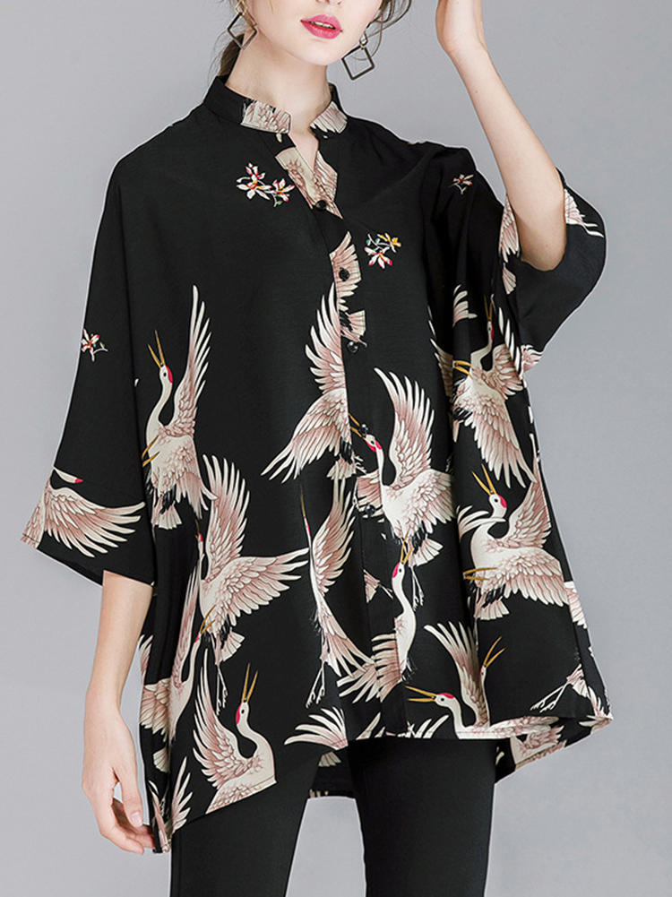 Plus Size Crane Printed 3/4 Sleeves V-neck Button Blouse