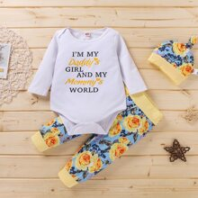 Baby Girl Floral And Slogan Graphic Bodysuit & Pants & Hat