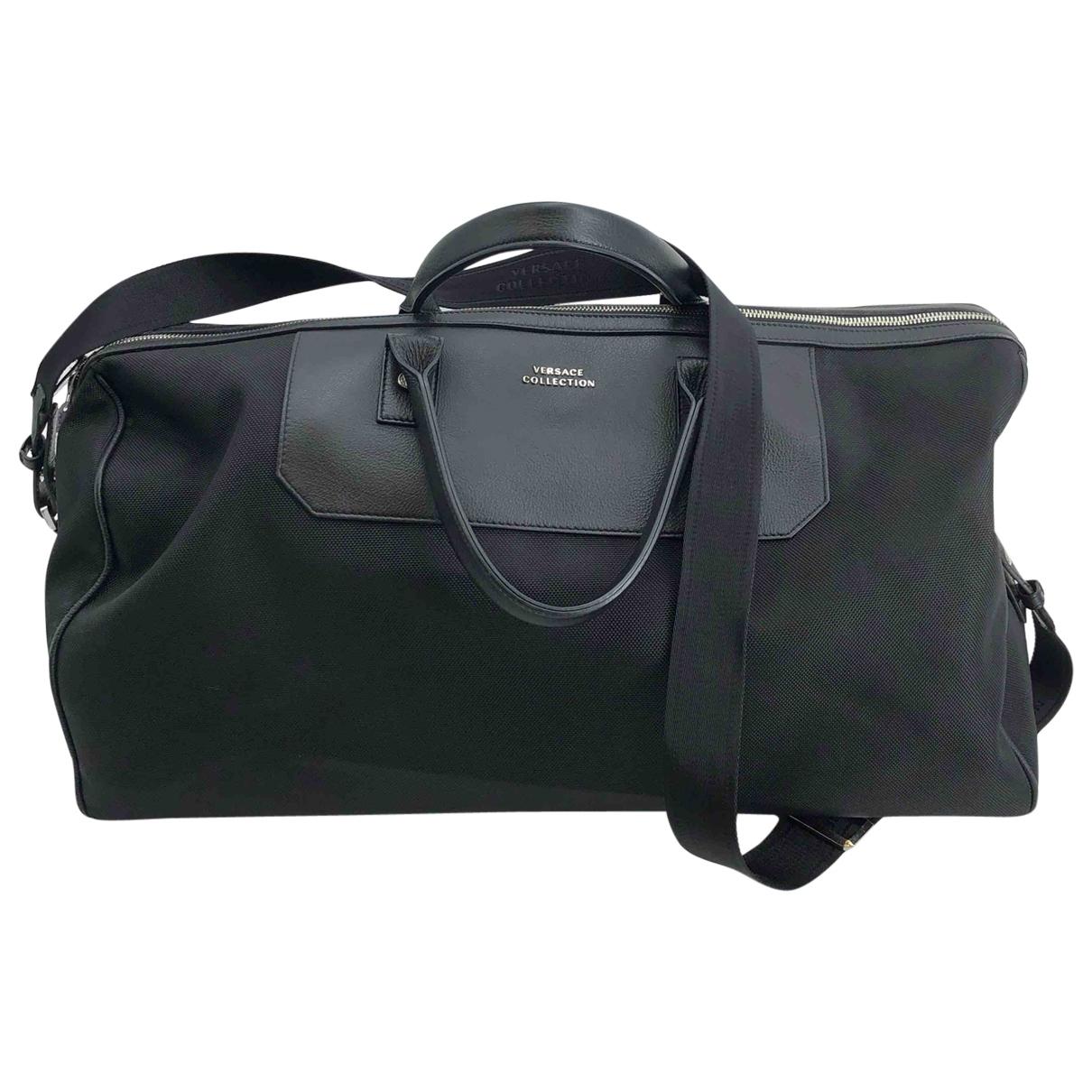 Versace \N Reisetasche in  Braun Leinen