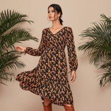 A-Linie Kleid mit Blumen Muster und Rueschenbesatz