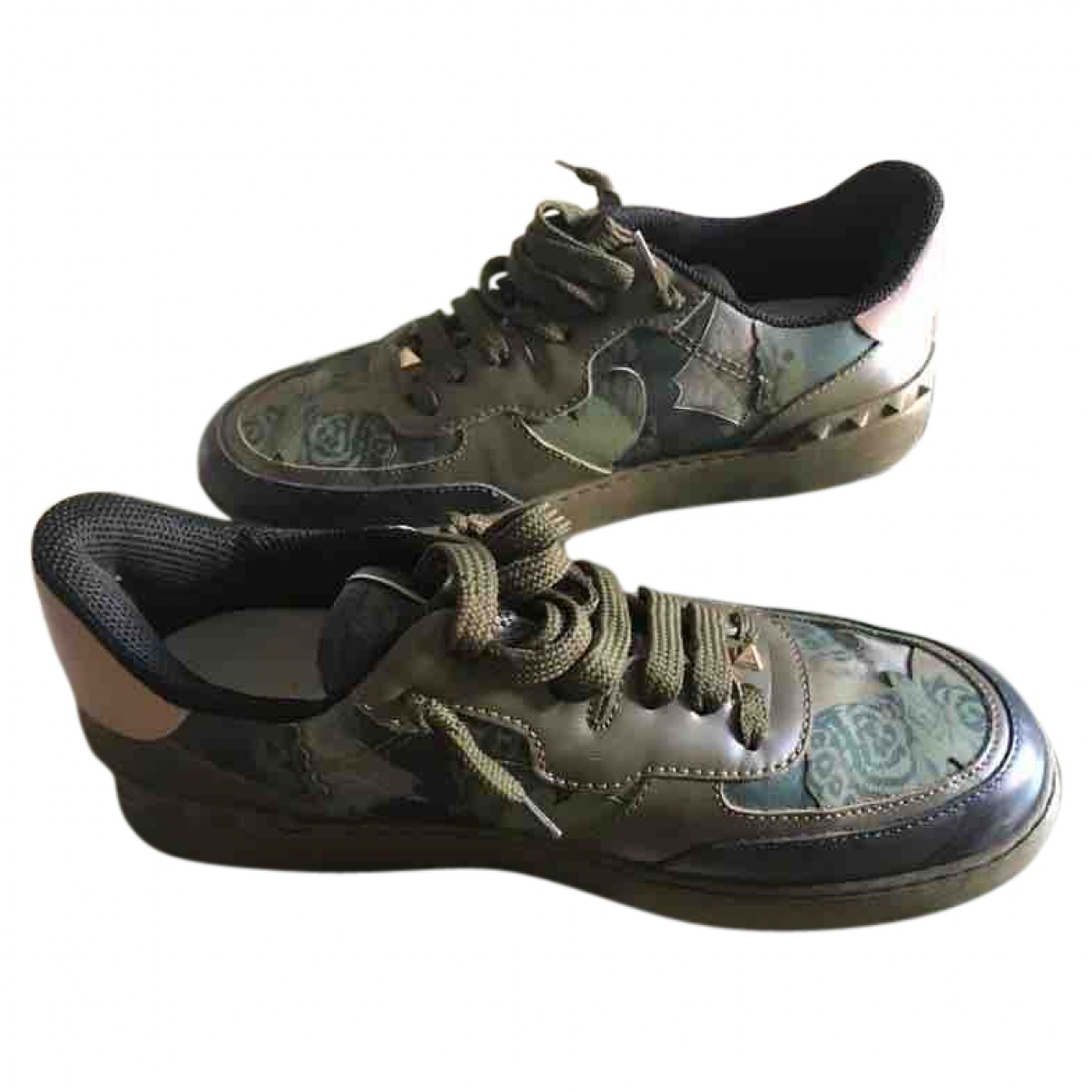 Valentino Garavani Rockrunner Sneakers in  Gruen Leder