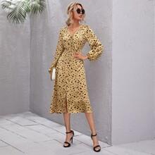 Kleid mit Band vorn, Laternenaermeln und Dalmatiner Muster