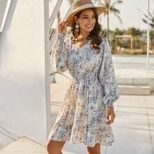Kleid mit geraffter Taille, Raffungsaum und Blumen Muster