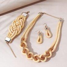 Collar trenzado con pendientes con brazalete