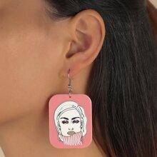 Ohrringe mit Figur Muster