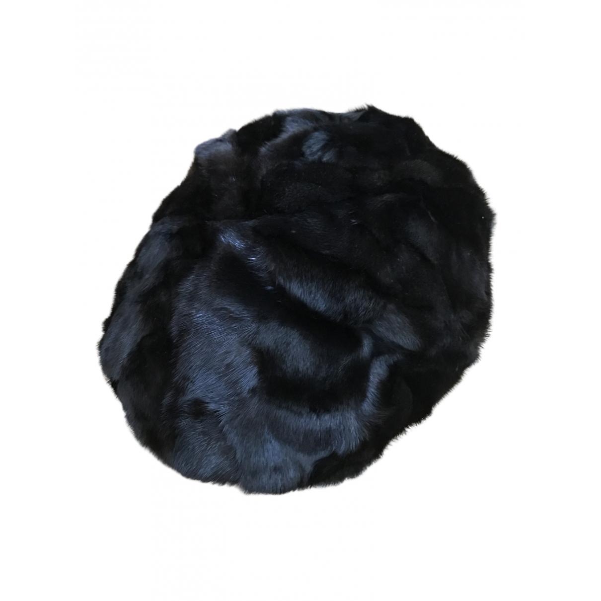 Burberry \N Brown Mink hat for Women 56 cm