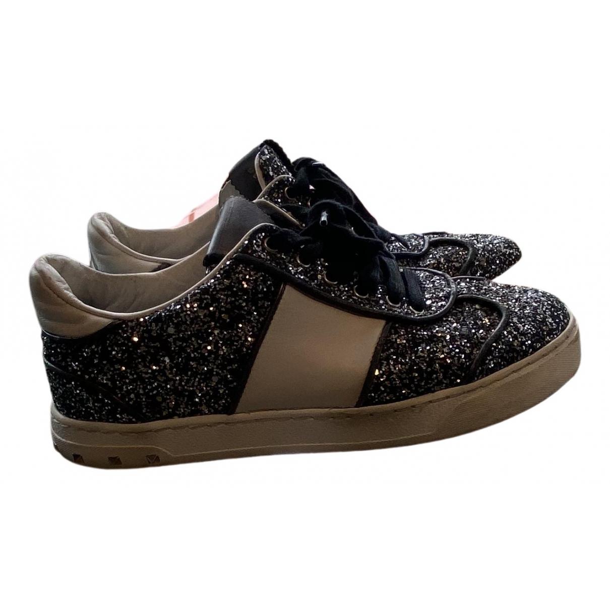 Valentino Garavani Rockstud Sneakers in  Schwarz Mit Pailletten