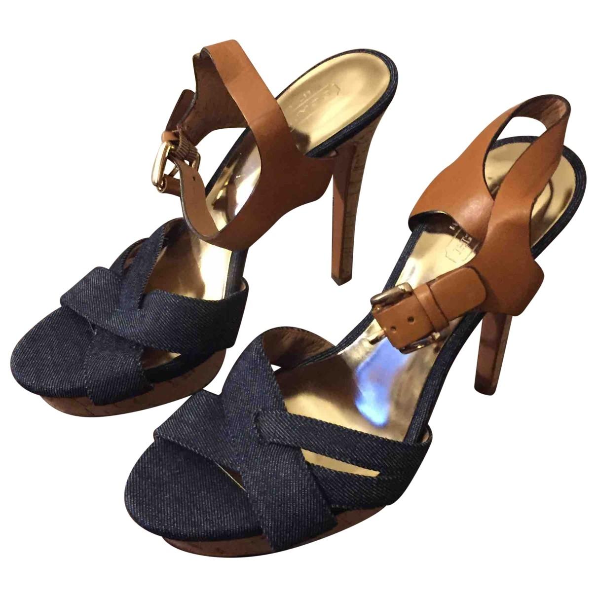 Sandalias romanas de Lona Coach