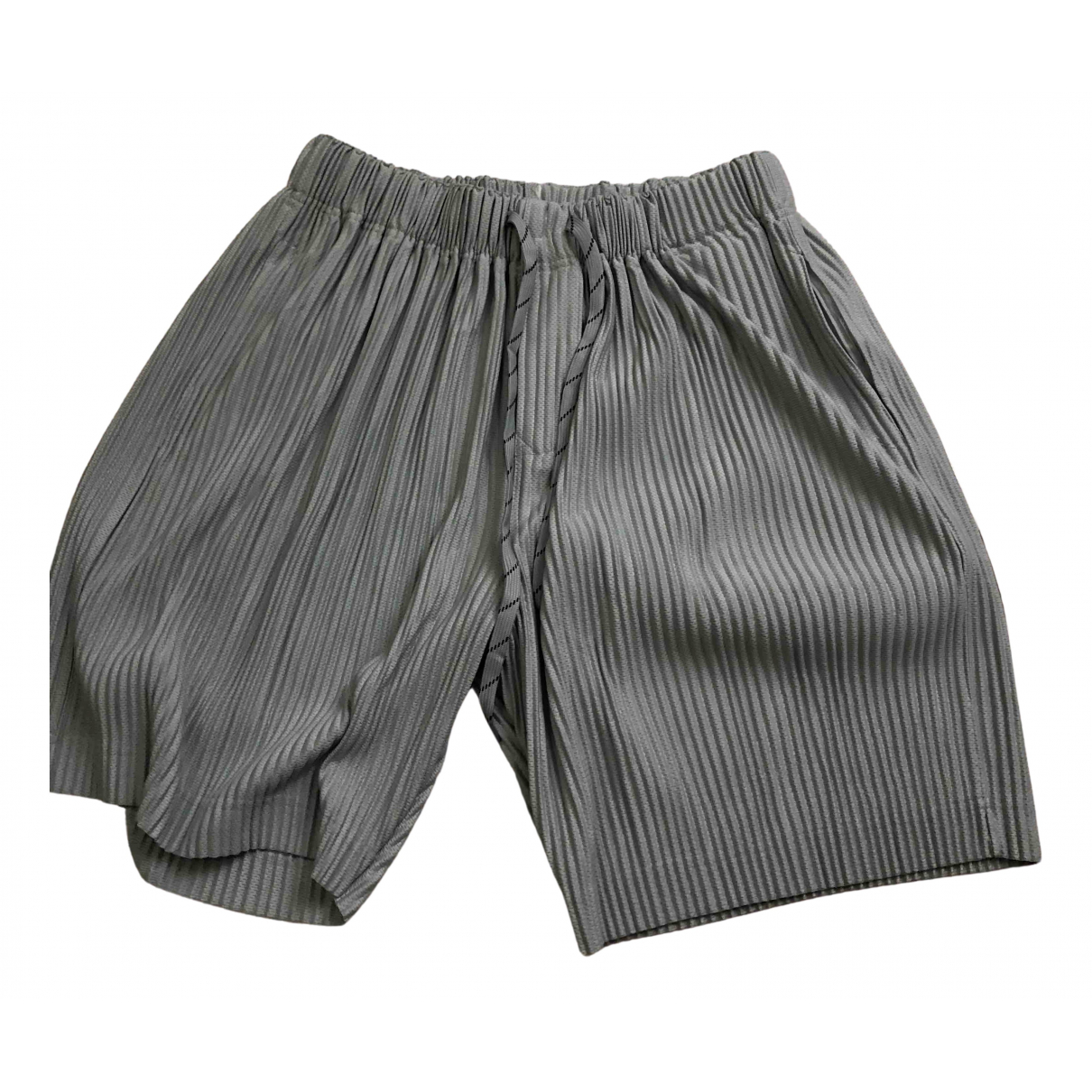 Issey Miyake \N Shorts in  Grau Synthetik
