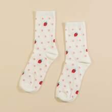 Calcetines con patron de fresa