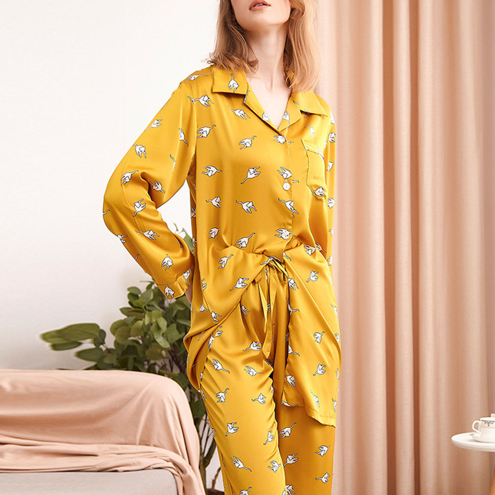 Simple Polyester Cartoon Print Soft Comfortable Sleeve Women's Pajama Suit