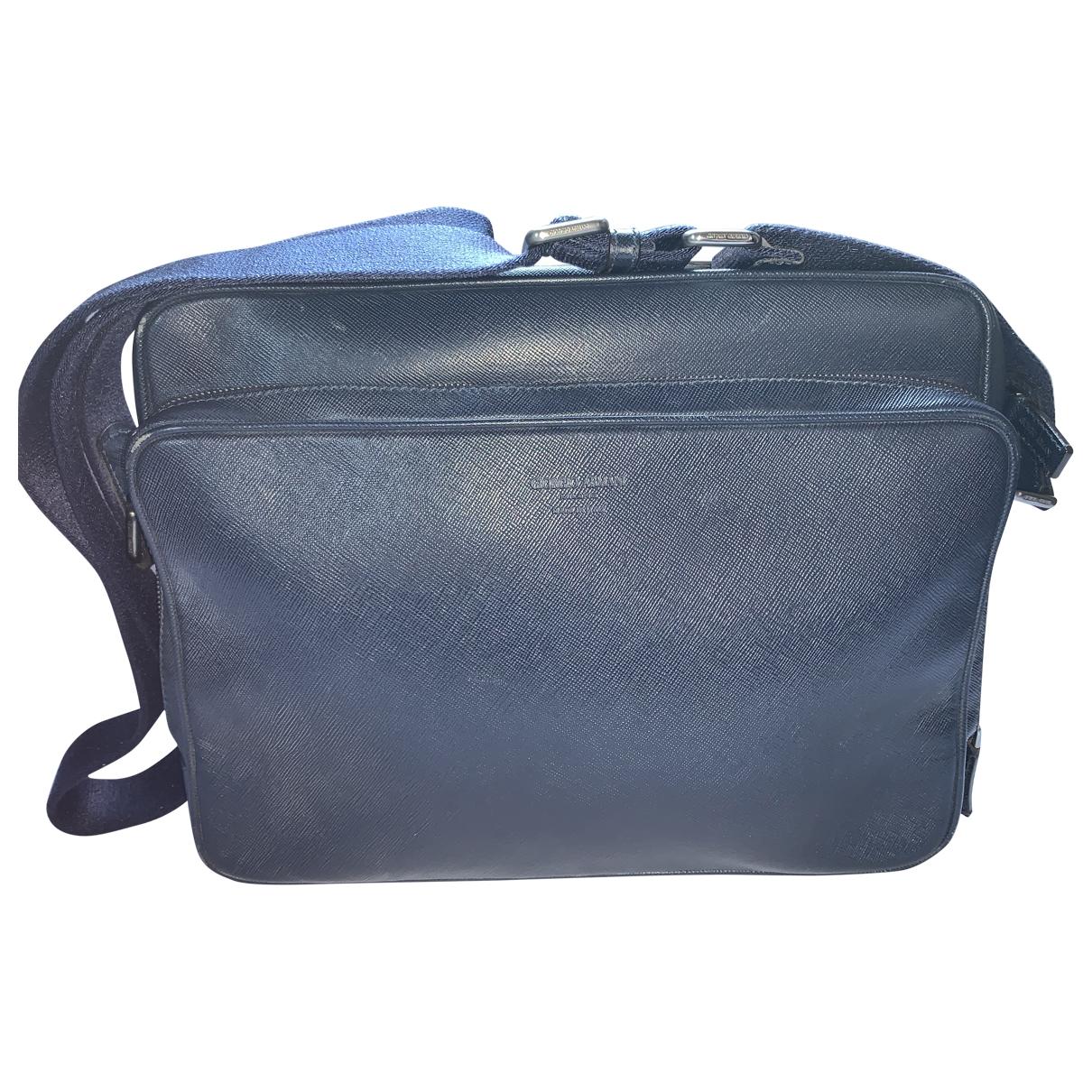 Giorgio Armani \N Taschen in  Blau Leder