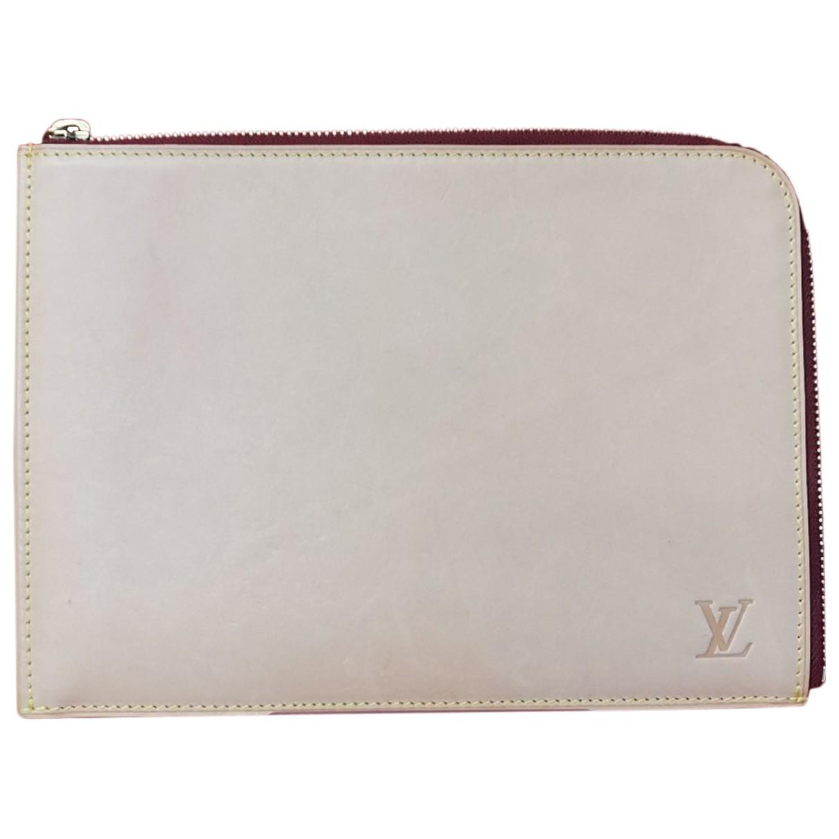 Louis Vuitton \N Clutch in  Beige Leder