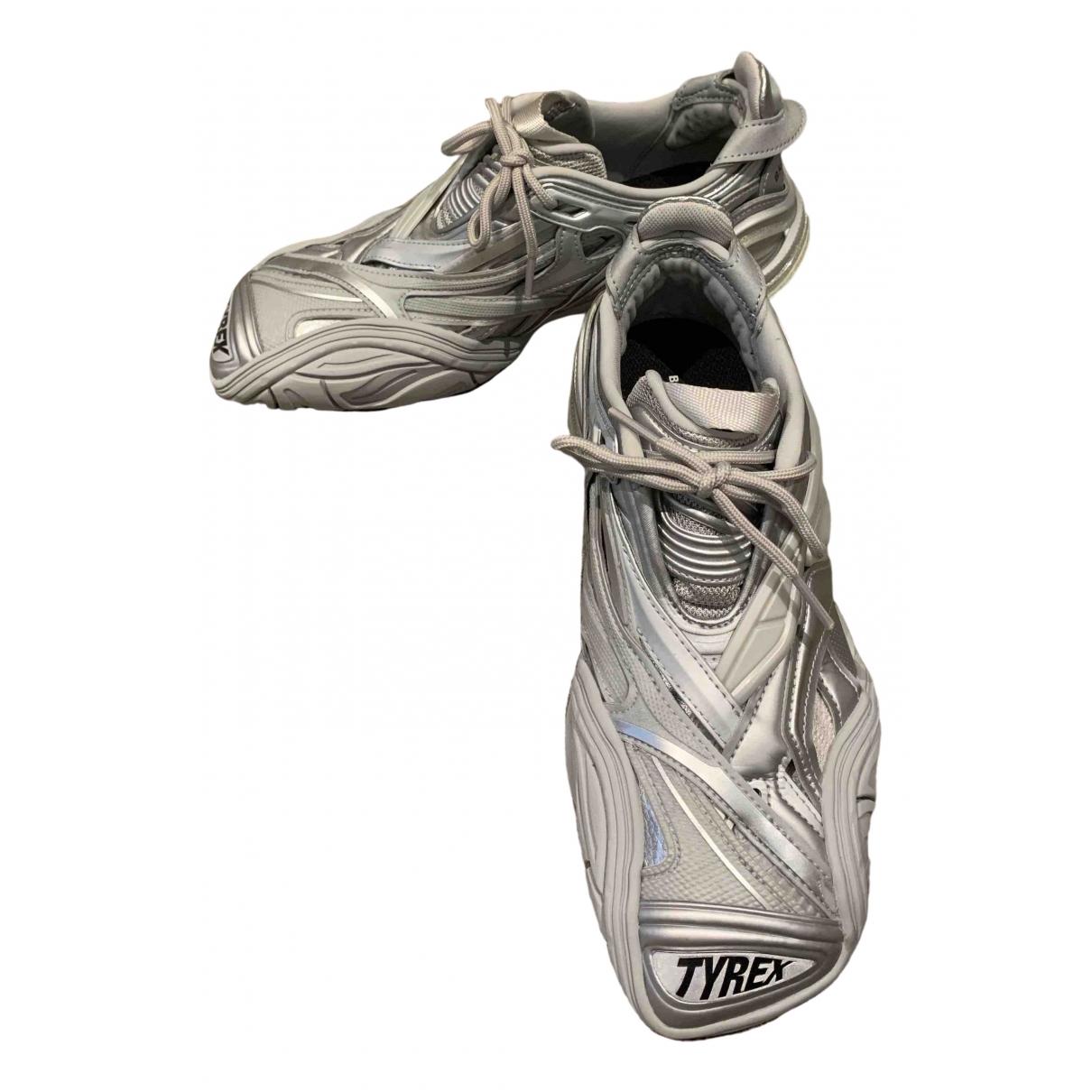 Balenciaga \N Sneakers in  Silber Polyester