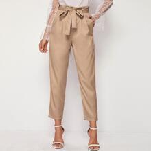 Hose mit Papiertasche Taille, Selbstguertel und schraegen Taschen