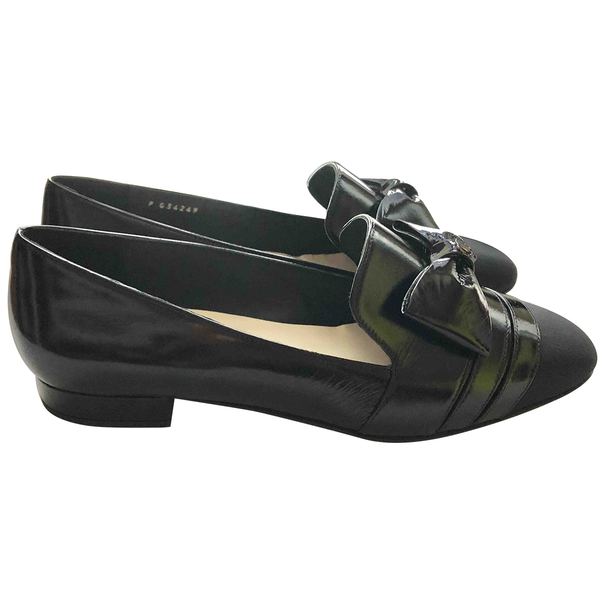 Chanel \N Black Leather Flats for Women 37.5 IT