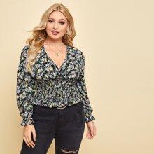 Bluse mit Blumen Muster, Ruesche und V-Kragen