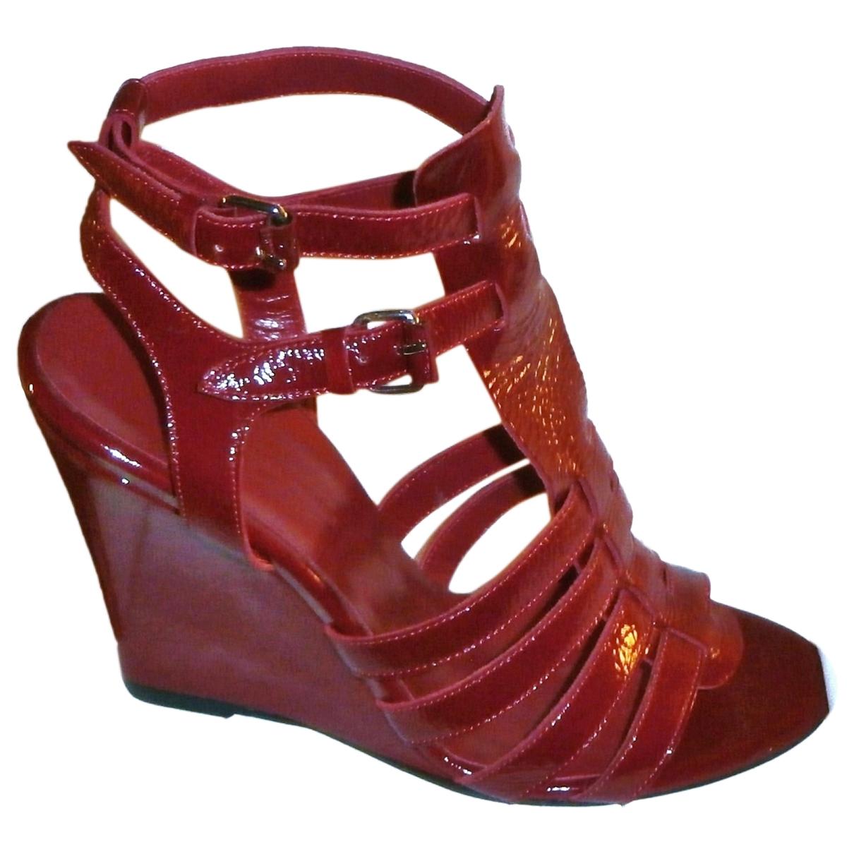 Balenciaga - Sandales   pour femme en cuir verni - rouge