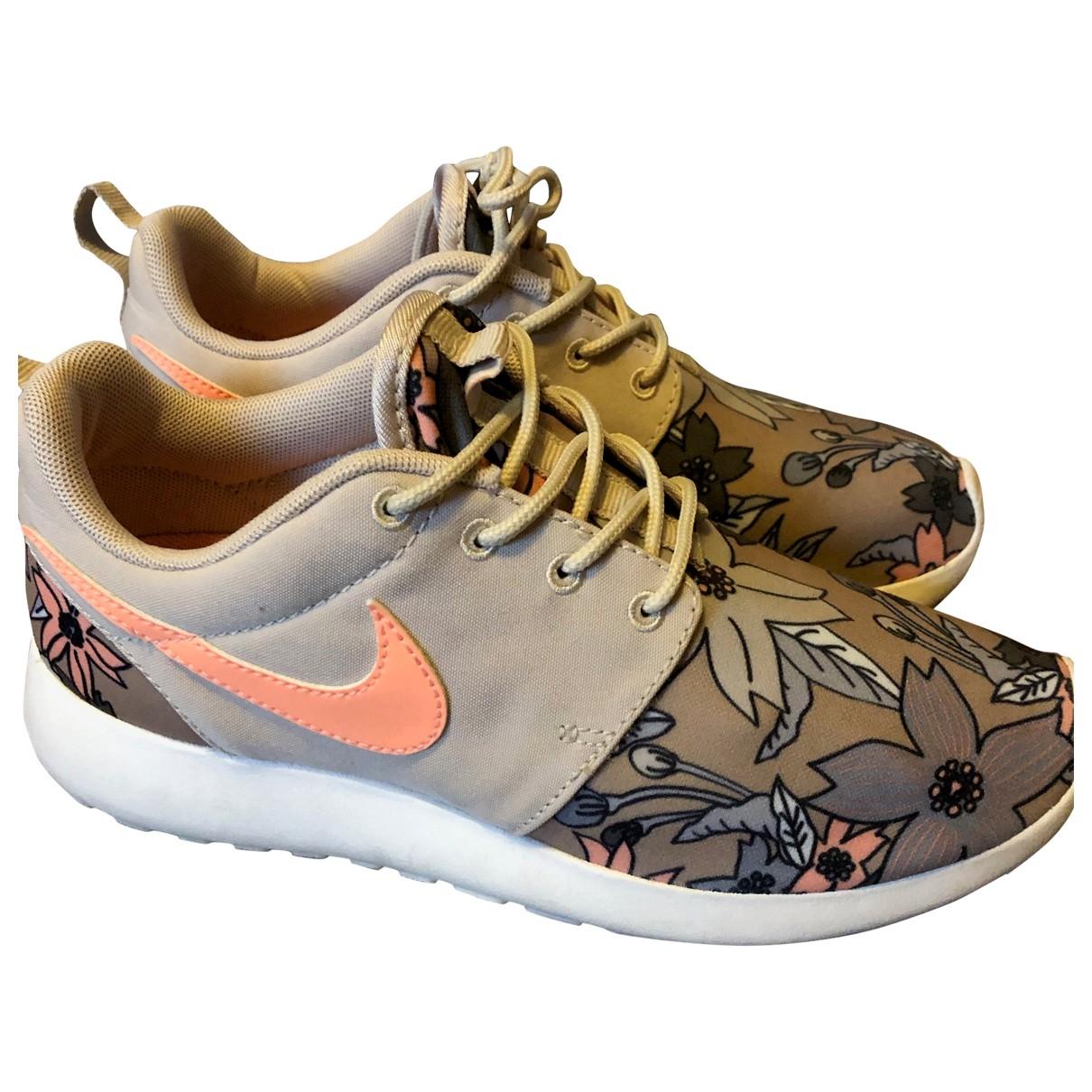 Nike - Baskets Roshe Run pour femme - beige