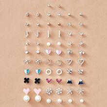 Ohrringe mit Herzen & Schneeflocken Design 30 Paare