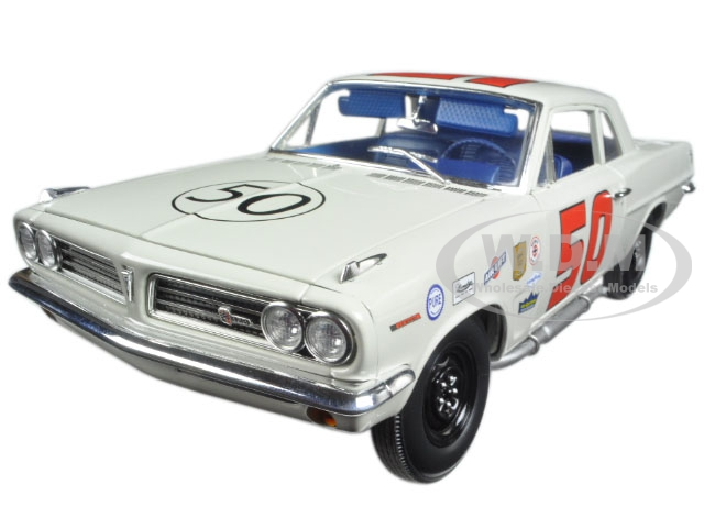 1963 Pontiac Tempest 1963 Daytona Challenge Cup Champion 50 Paul Goldsmith with Signed Certificate Limited Edition to 330pcs 1/18 Diecast Model Car b