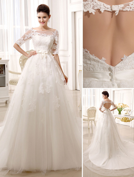 Milanoo Vestido de novia de tul con escote barco y botones de cola capilla