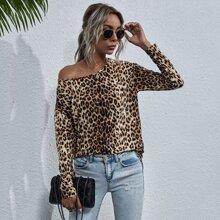 Camiseta de hombros caidos con estampado de leopardo