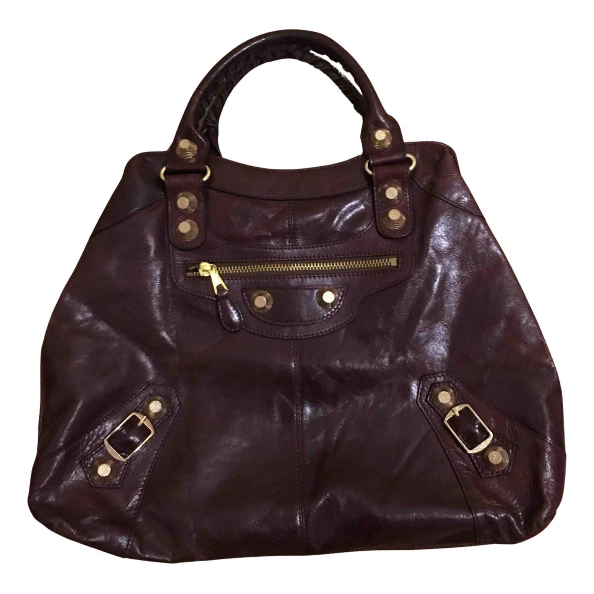 Balenciaga \N Handtasche in  Bordeauxrot Leder