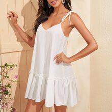 Cami Kleid mit Band auf Schulter und Schosschen am Saum