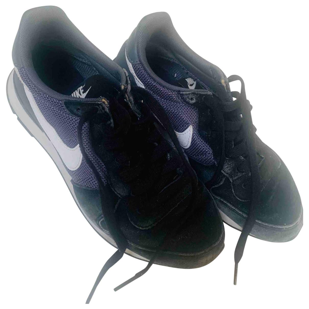Nike Internationalist Sneakers in  Schwarz Veloursleder