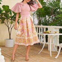 Appliques Detail Flutter Sleeve Top & Baroque Print Skirt Set