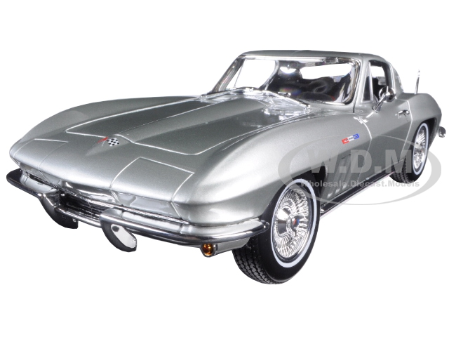 1965 Chevrolet Corvette Silver 1/18 Diecast Model Car by Maisto