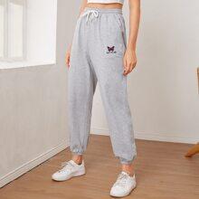 Pantalones deportivos con bordado de letra y mariposa