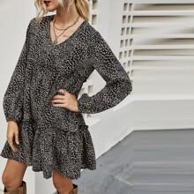 Chiffon Kleid mit Dalmatiner Muster und Rueschenbesatz
