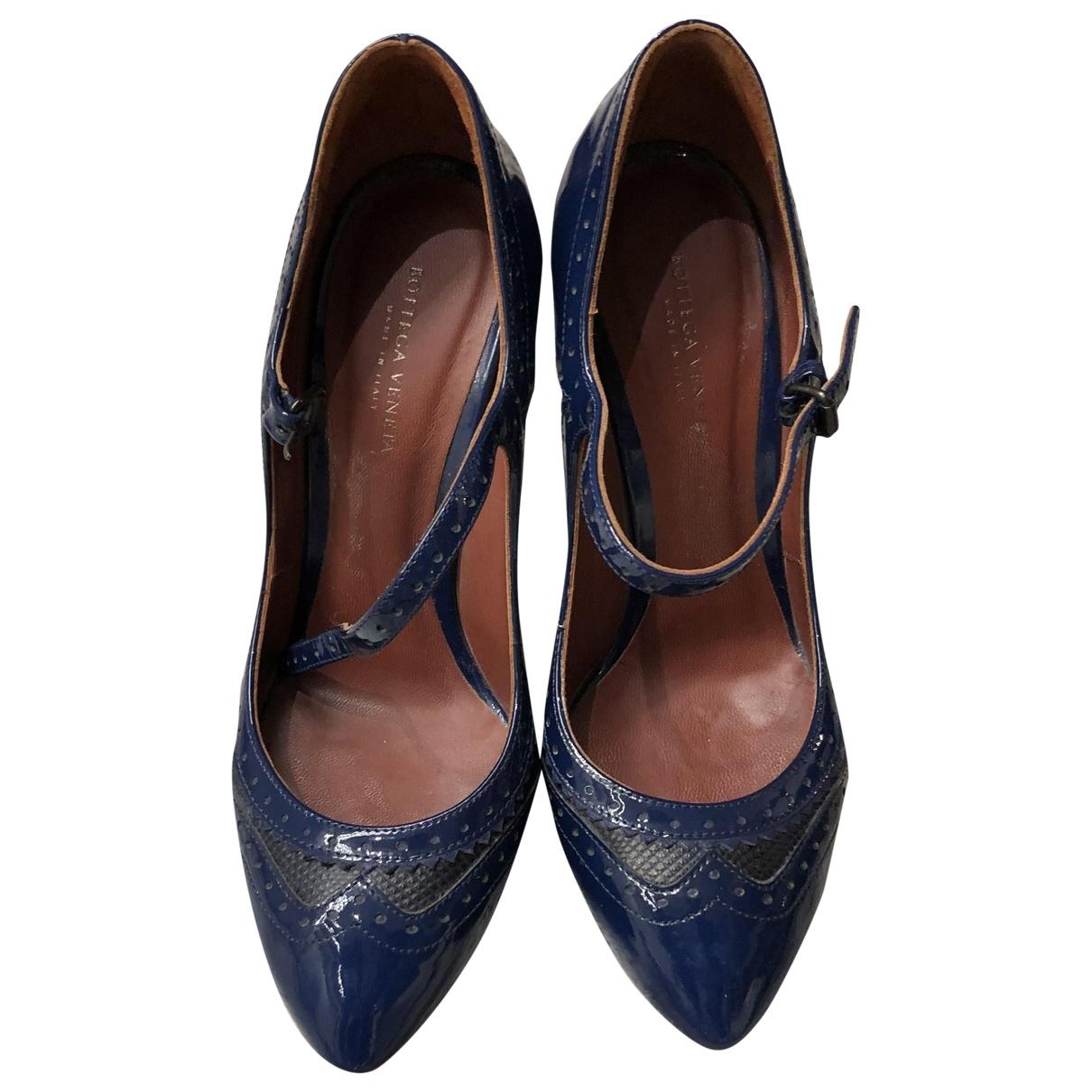 Bottega Veneta - Escarpins   pour femme en cuir verni - bleu
