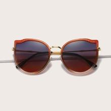Polarisierte Sonnenbrille mit getonten Linsen