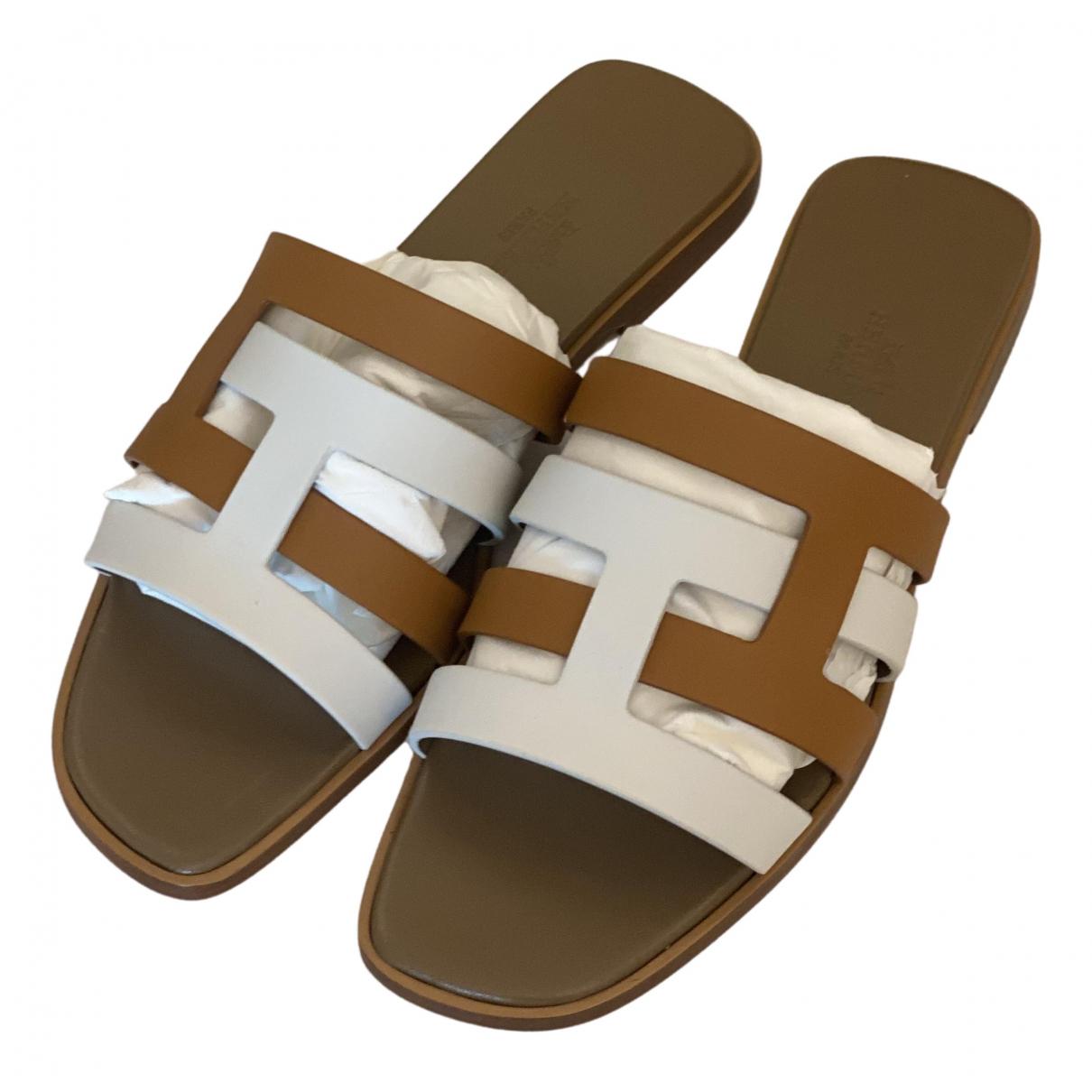 Hermès Oran White Leather Sandals for Women 37.5 EU