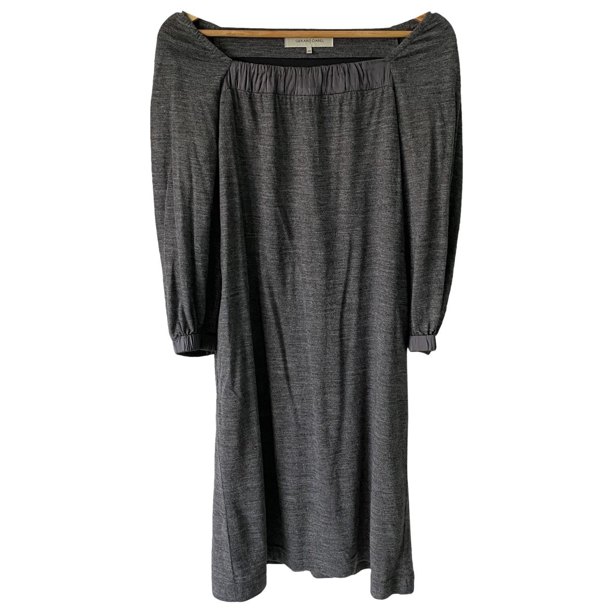 Gerard Darel \N Kleid in  Grau Wolle
