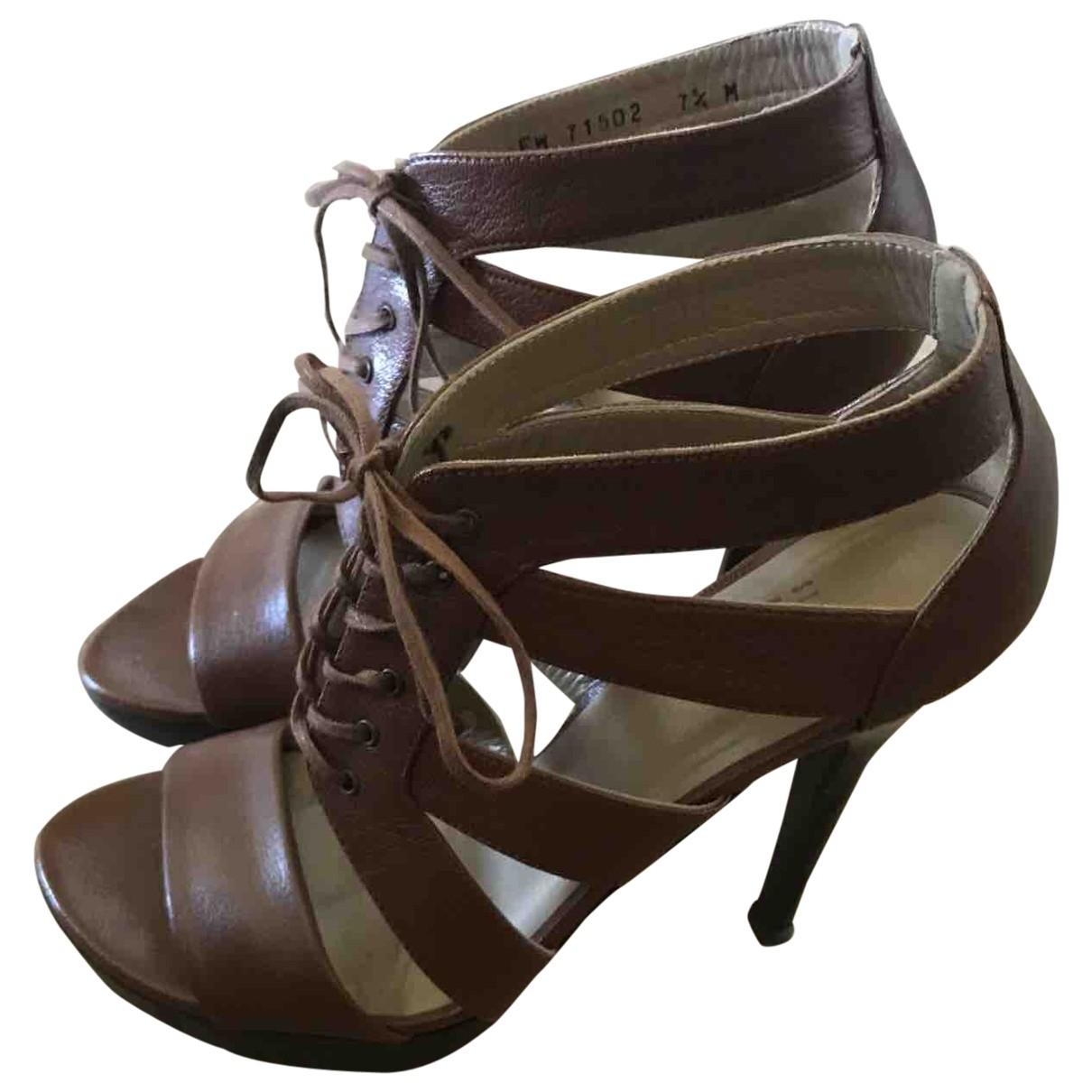 Stuart Weitzman \N Camel Leather Sandals for Women 7.5 US
