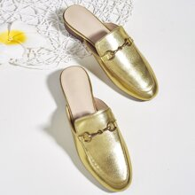Metallische Pantoffeln mit Trense Dekor