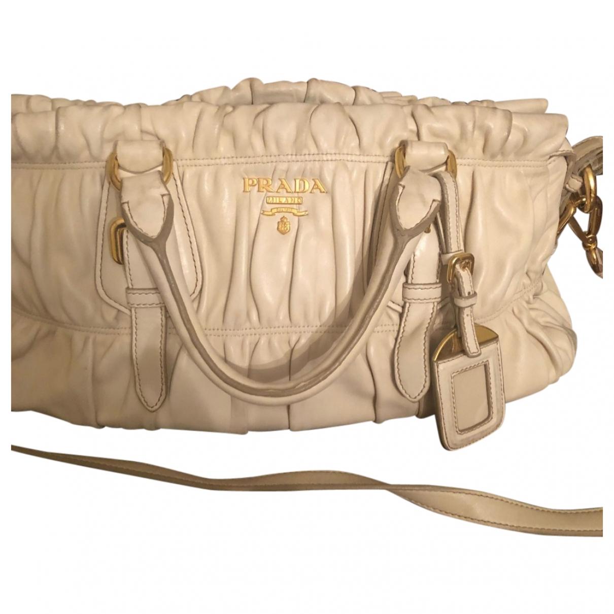 Prada \N Handtasche in  Beige Leder