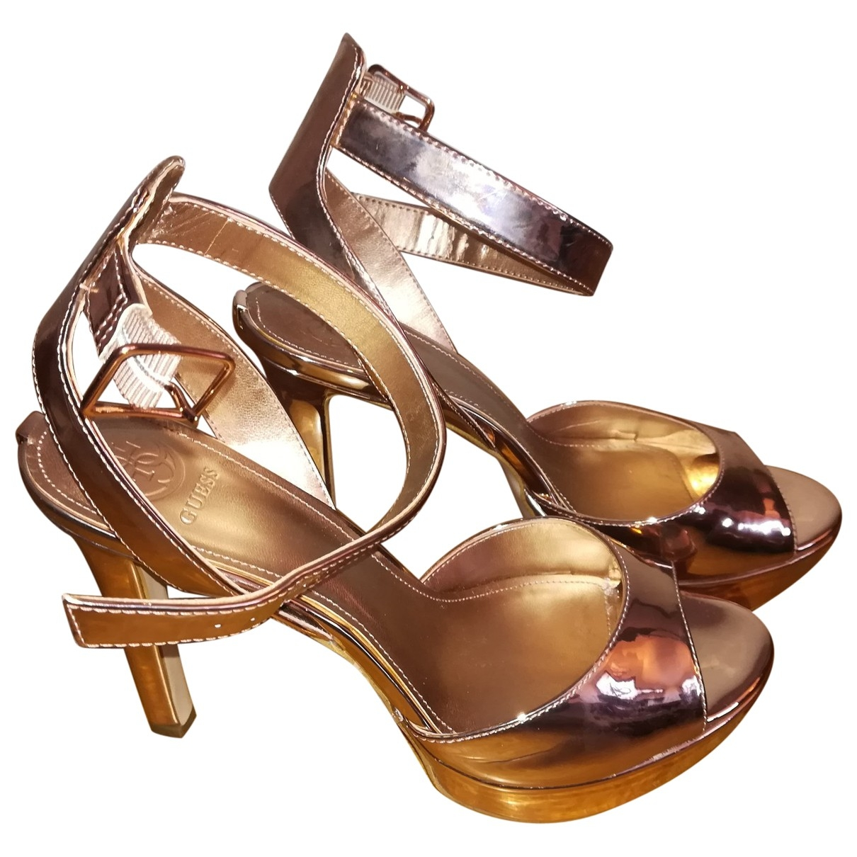 Sandalias de Charol Guess