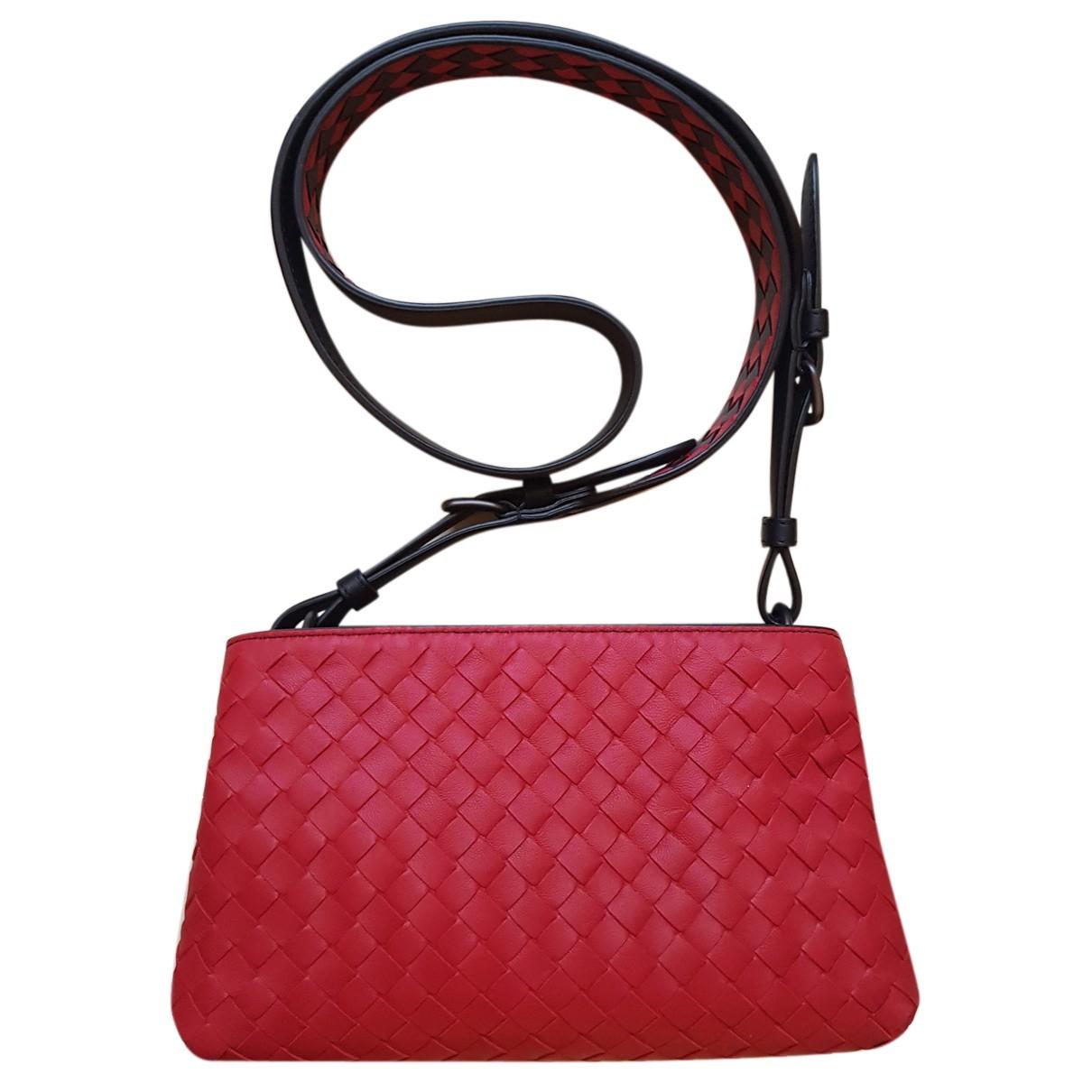 Bottega Veneta - Pochette   pour femme en cuir - rouge