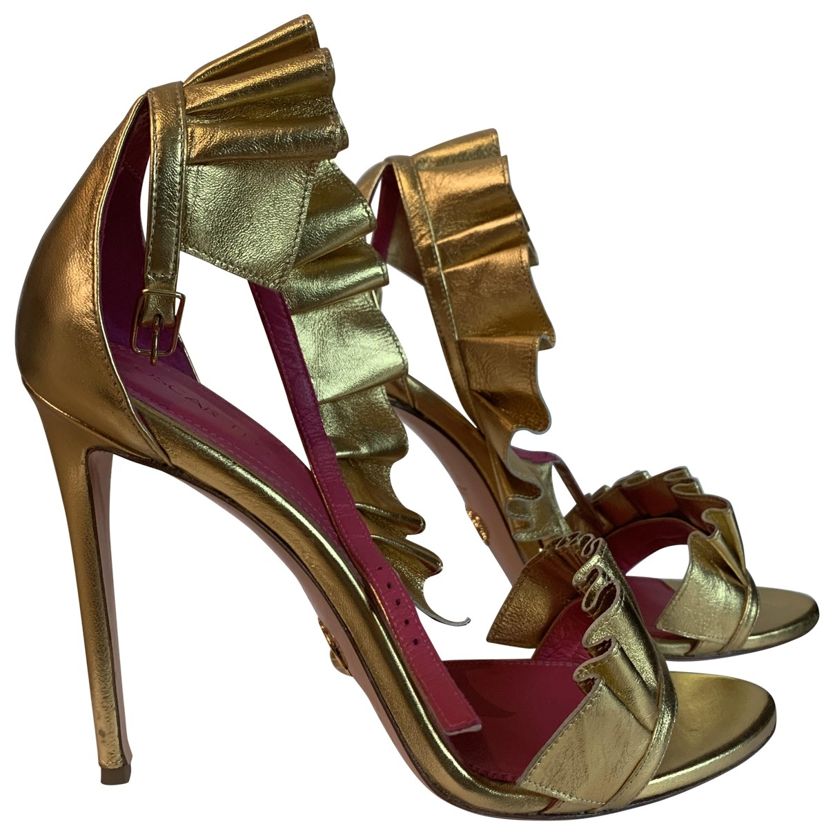 Oscar Tiye - Sandales   pour femme en cuir - dore