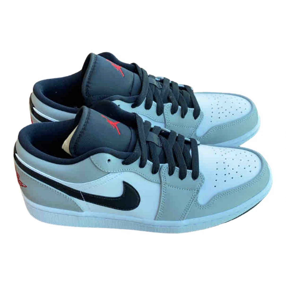 Jordan Air Jordan 1  Sneakers in  Grau Leder