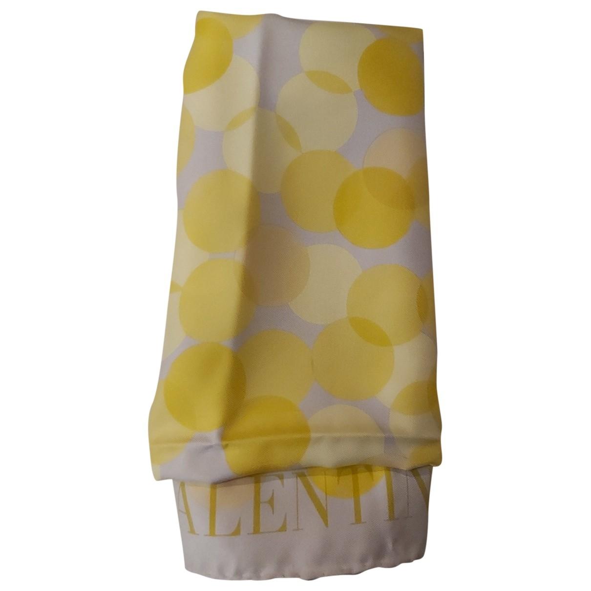 Valentino Garavani - Foulard   pour femme en soie - jaune
