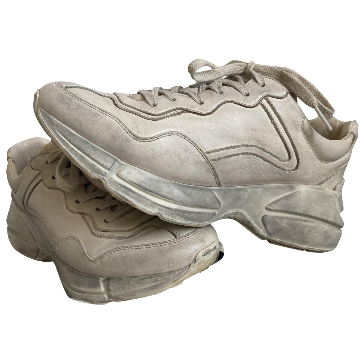 Gucci Rhyton Sneakers in  Beige Leder