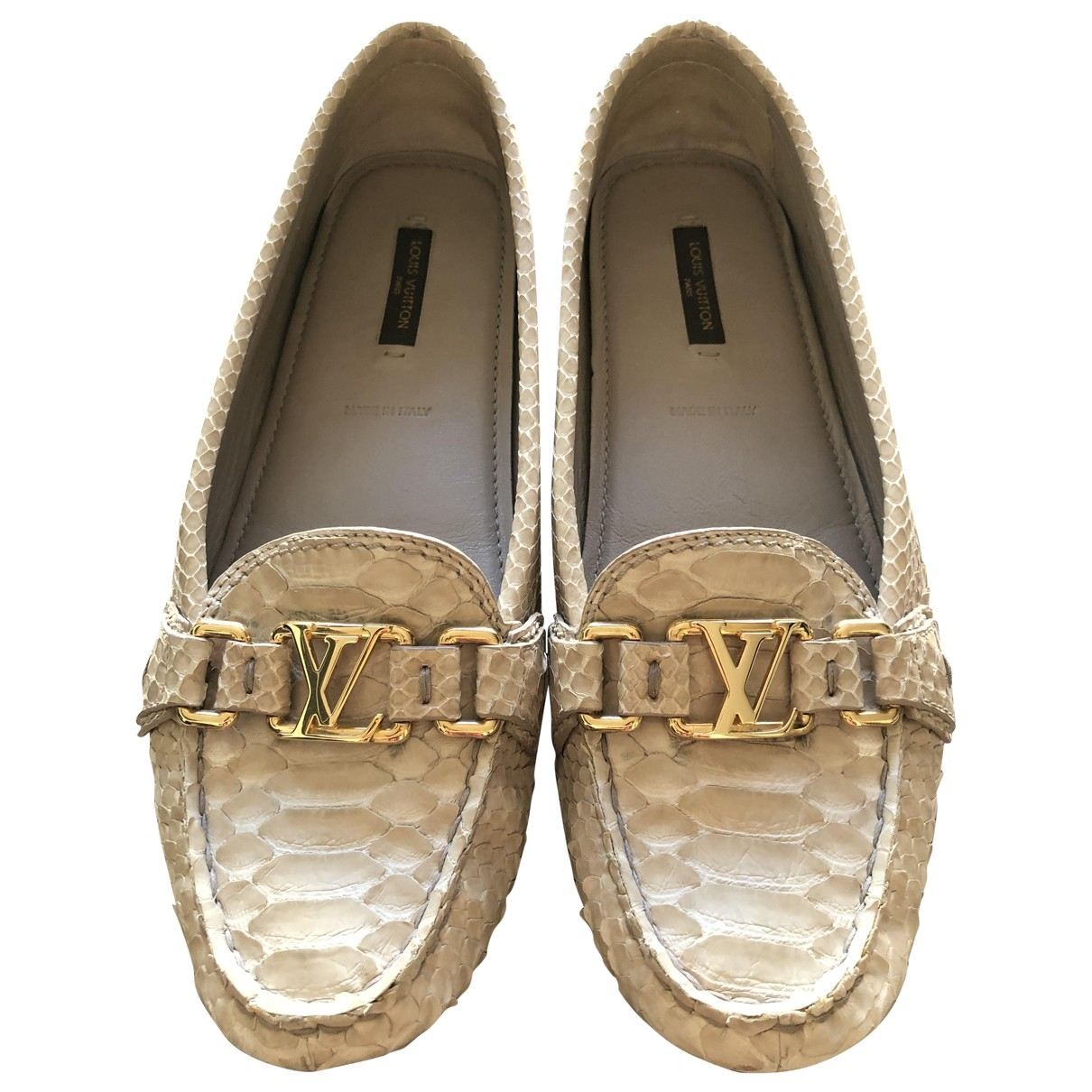 Louis Vuitton \N Beige Crocodile Flats for Women 38.5 EU